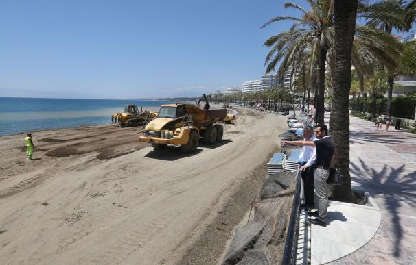 Las actuaciones en las playas de La Fontanilla y San Pedro concluirán los aportes de arena en Marbella