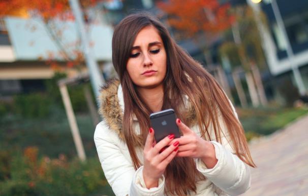 Las ventas de smartphones en España descenderán un 2% en 2017, según IDC