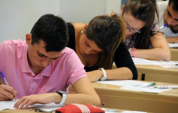 Cs reclama que se informe a los estudiantes de la posibilidad de pedir el examen de selectividad en castellano