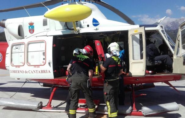 Evacuado en helicóptero un trabajador herido tras caerse de un andamio a cinco metros de altura en Tama