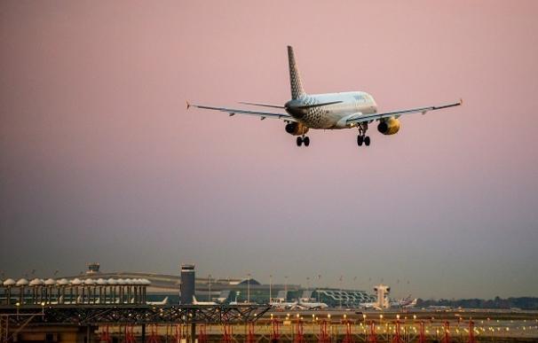 Castelldefels se queja por el vuelo incesante de aviones por encima de la ciudad