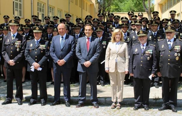 Nieto preside el acto de jura de los 60 hombres y 14 mujeres que prestarán servicio como inspectores jefe de la Policía