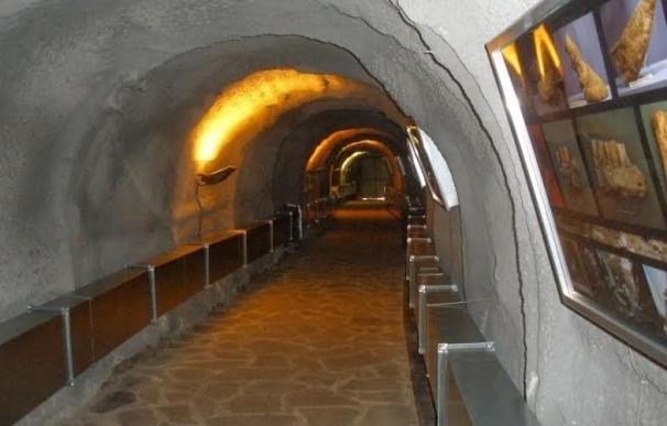 Ayuntamiento de Lucena y Junta adaptarán la Cueva del Ángel como recurso turístico