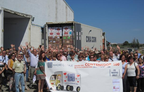Madre Coraje carga el contenedor 400 de ayuda humanitaria a Perú en un acto con 200 voluntarios