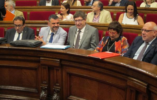 Consejera catalán dice que no pondrán en riesgo a los funcionarios en el proceso soberanista