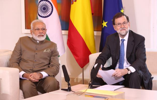 España e India acuerdan impulsar su cooperación económica y la presencia de empresas españolas en el país asiático