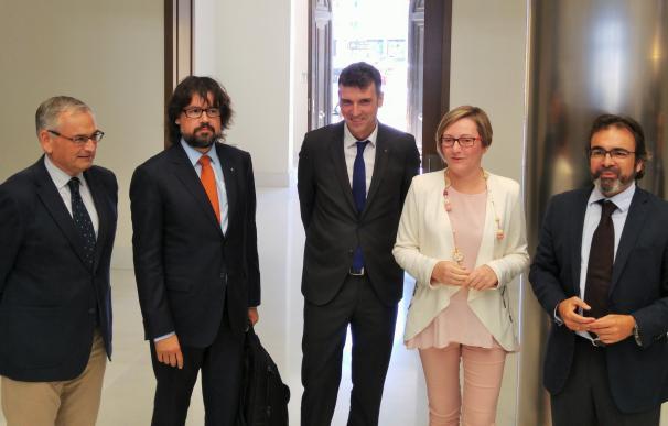 Murcia reclama en Valencia la conexión al Corredor Mediterráneo para aumentar la capacidad exportadora