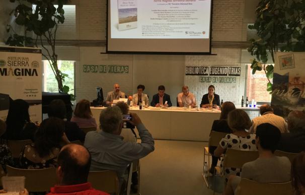 Reyes subraya que las singularidades de comarca de Mágina pueden inspirar miles de creaciones literarias