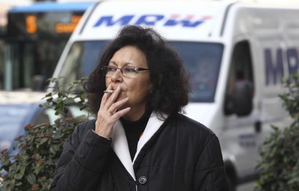Los datos andaluces de tabaquismo arrojan bajada del 3% de fumadores diarios y preponderancia del hábito en desempleados