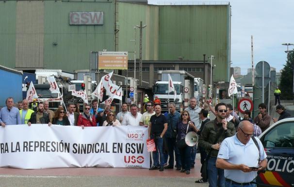 """USO acusa al Gobierno de """"encubrir"""" y ser """"cómplice"""" del despido de dos sindicalistas en GSW"""