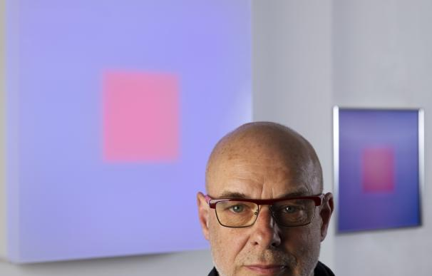 """Brian Eno: """"Tenemos que dejar de diferenciar entre artista y público"""""""