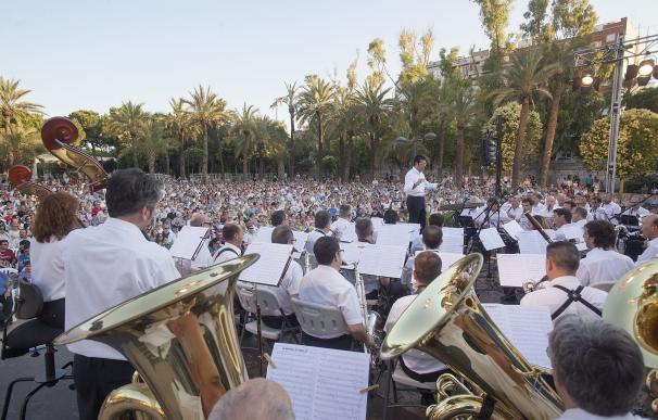 La Banda Municipal de València propone un viaje por España en el primer concierto en los jardines del Palau