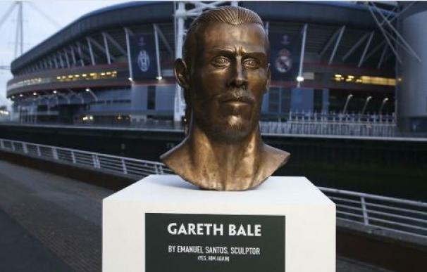 El autor del busto de Cristiano, orgulloso de su última creación: uno de Gareth Bale