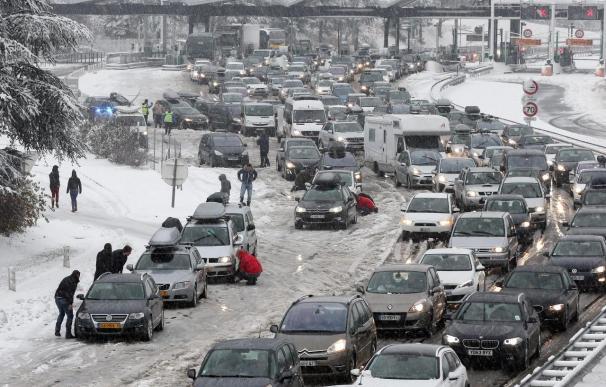 La circulación en los Alpes franceses vuelve a la normalidad tras la nevada