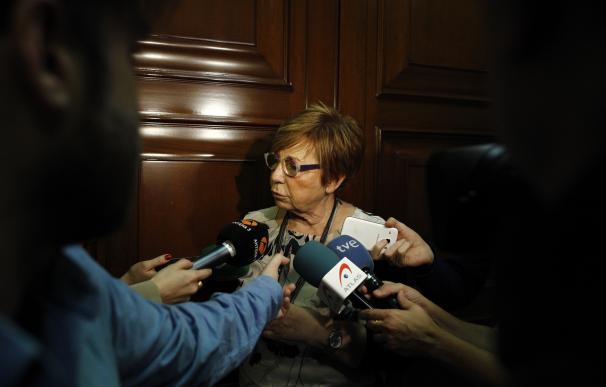 """Villalobos, tras lo de Moix, pregunta si los cargos públicos van a tener que ser """"pobres de solemnidad"""" o de """"clausura"""""""