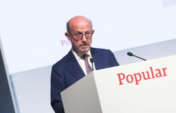 """Popular pide una """"muestra de interés"""" a los bancos interesados en una fusión, pero no ha tomado una decisión"""