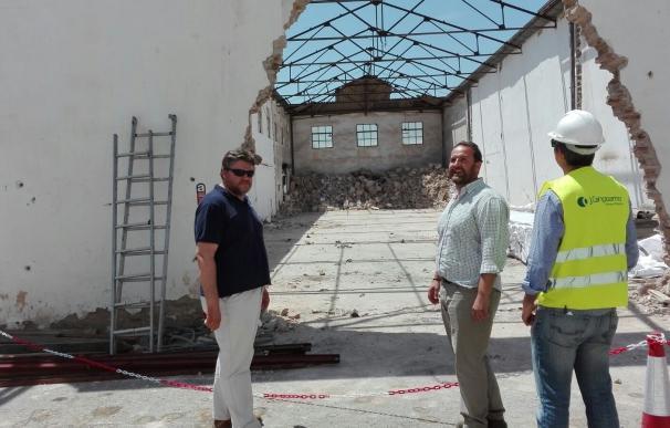 Arranca en Lora la demolición de las antiguas naves de Hytasa para el proyecto del paso subterráneo