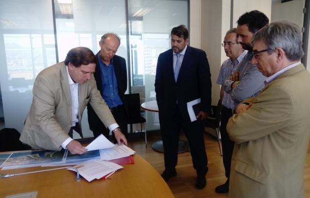 Ayuntamiento estudia con uno de los mayores expertos europeo en mosquitos la estrategia para el Guadalhorce