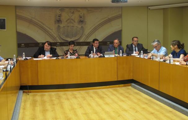 Domínguez, satisfecho porque el Ejecutivo regional ha cumplido con los objetivos de estabilidad presupuestaria de 2016