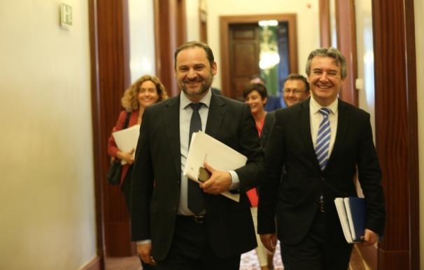 El PSOE exige el cese inmediato de Moix porque no es ejemplar utilizar paraísos fiscales