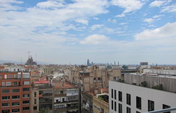 Barcelona probará fórmulas de una renta mínima en 1.000 hogares del Besòs con 13 millones
