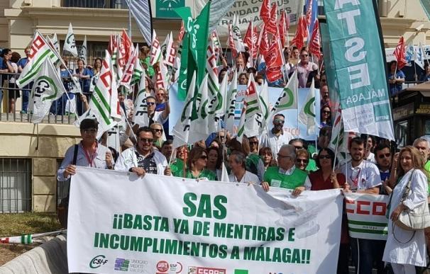 Sindicatos se concentran este jueves ante el Hospital Clínico para exigir el 100% de las sustituciones en verano