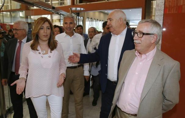Díaz prevé bajada del paro superior a la prevista y tiende la mano a sindicatos y empresarios para el diálogo social