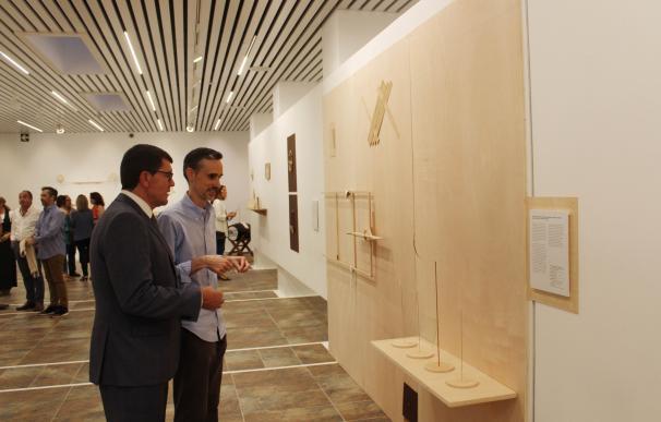 La Sala de la Provincia acoge la muestra 'Todo es nada' que reflexiona sobre el uso de los refranes