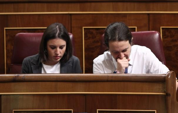 Pablo Iglesias vota por error a favor de los presupuestos de dos ministerios de Rajoy