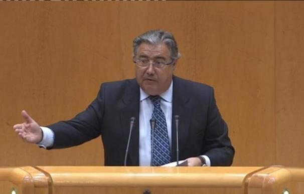 """Zoido respalda a su 'número dos' y pide rigor antes de lanzar """"hipótesis"""" de la reunión con Pablo González"""