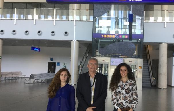 Dos estudiantes de la Universitat Jaume I completan su formación en el aeropuerto de Castellón