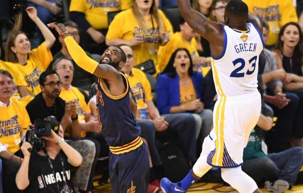 Los Warriors aplastan a los Cavaliers y ponen el 2-0 en la final de la NBA