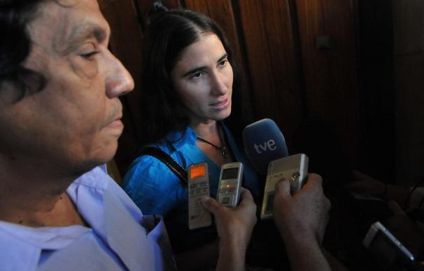 La bloguera cubana Yoani Sánchez y su esposo Reinaldo Escobar, en foto de archivo