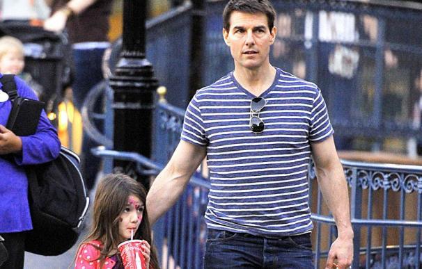 Tom Cruise le regala una casa a su hija de seis años