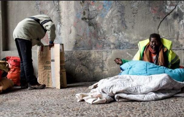La pobreza quita más años de vida que el alcohol, la obesidad y la hipertensión