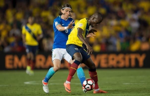 (Crónica) Brasil no pasa del empate ante Ecuador en su estreno
