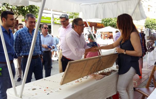 """Zoido critica que Espadas """"abandona"""" a los comerciantes y le urge retomar la línea emprendida por el PP"""