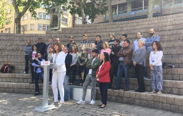 """Mendia dice que el PSOE es """"el único capaz de echar al PP"""" y acusa a Iglesias de haber """"estafado a los indignados"""""""