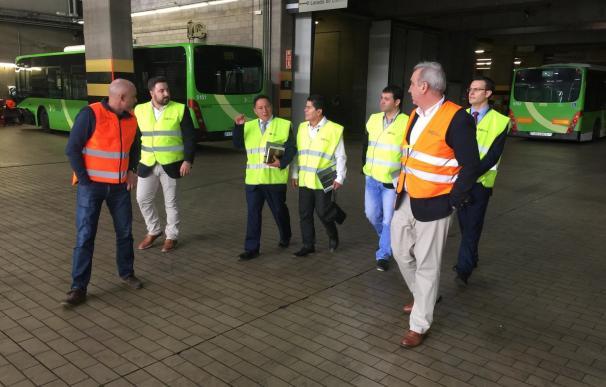Titsa muestra a una delegación de colombia y perú su sistema de gestión del transporte