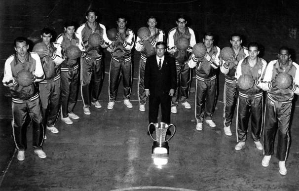 """El Real Madrid reconoce a Ferrándiz como Socio de Honor por ser """"pionero, referente y gran mito"""""""