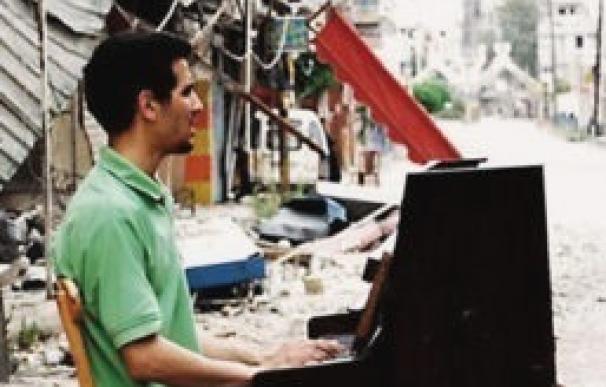 Aeham Ahmad, el pianista del campo de refugiados de Yarmouk, tocará en Barcelona