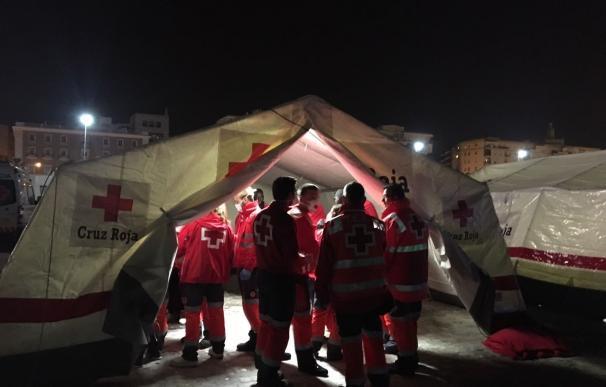 Atendidos 155 inmigrantes, entre ellos once mujeres, tras ser rescatados en tres pateras