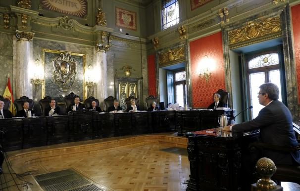 Homs reconoce que la Generalitat se dio por notificada de la suspensión cinco días antes de la consulta