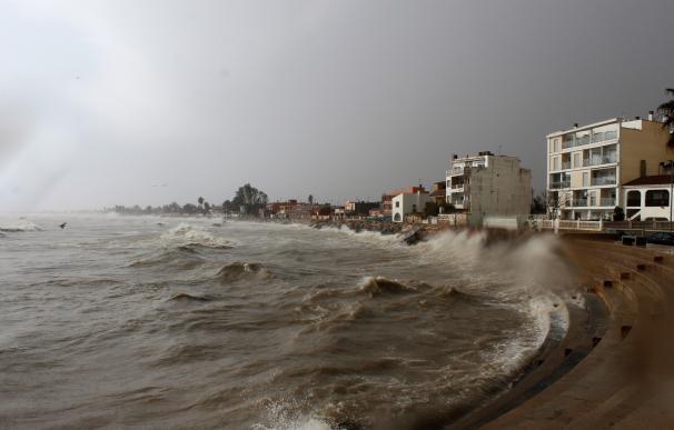 La Generalitat destinará 4,33 millones de euros a recuperar las infraestructuras turísticas del litoral tras el temporal