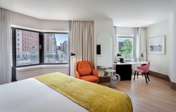 Los hoteles ahorrarían hasta 500 millones con fibra óptica para su conectividad, según Sampol Digital
