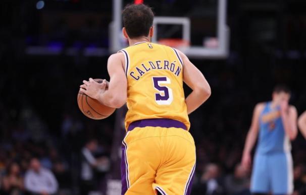 Los Lakers liberan a José Manuel Calderón, que podría terminar en los Warriors