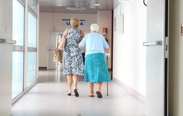 Los mayores que eligen mal su calzado tienen más riesgo de caídas y peor calidad de vida