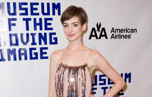 Anne Hathaway quiere tener cinco hijos