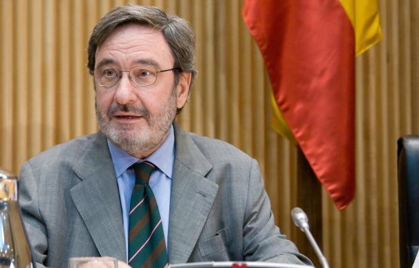Una acusación pide cuatro años de cárcel para Narcís Serra por los sueldos de Catalunya Caixa