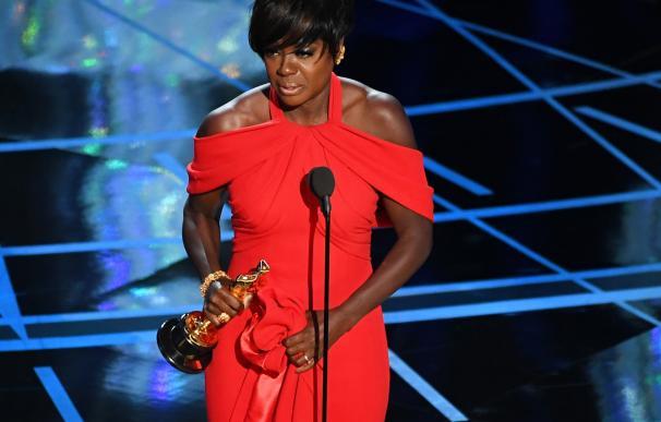 Viola Davis recoge el Oscar a mejor actriz secundaria